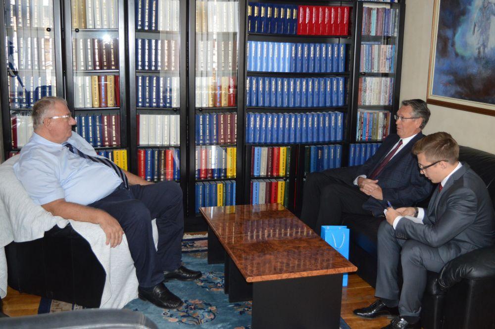 Ruski ambasador Aleksandar Čepurin posetio Srpsku radikalnu stranku!