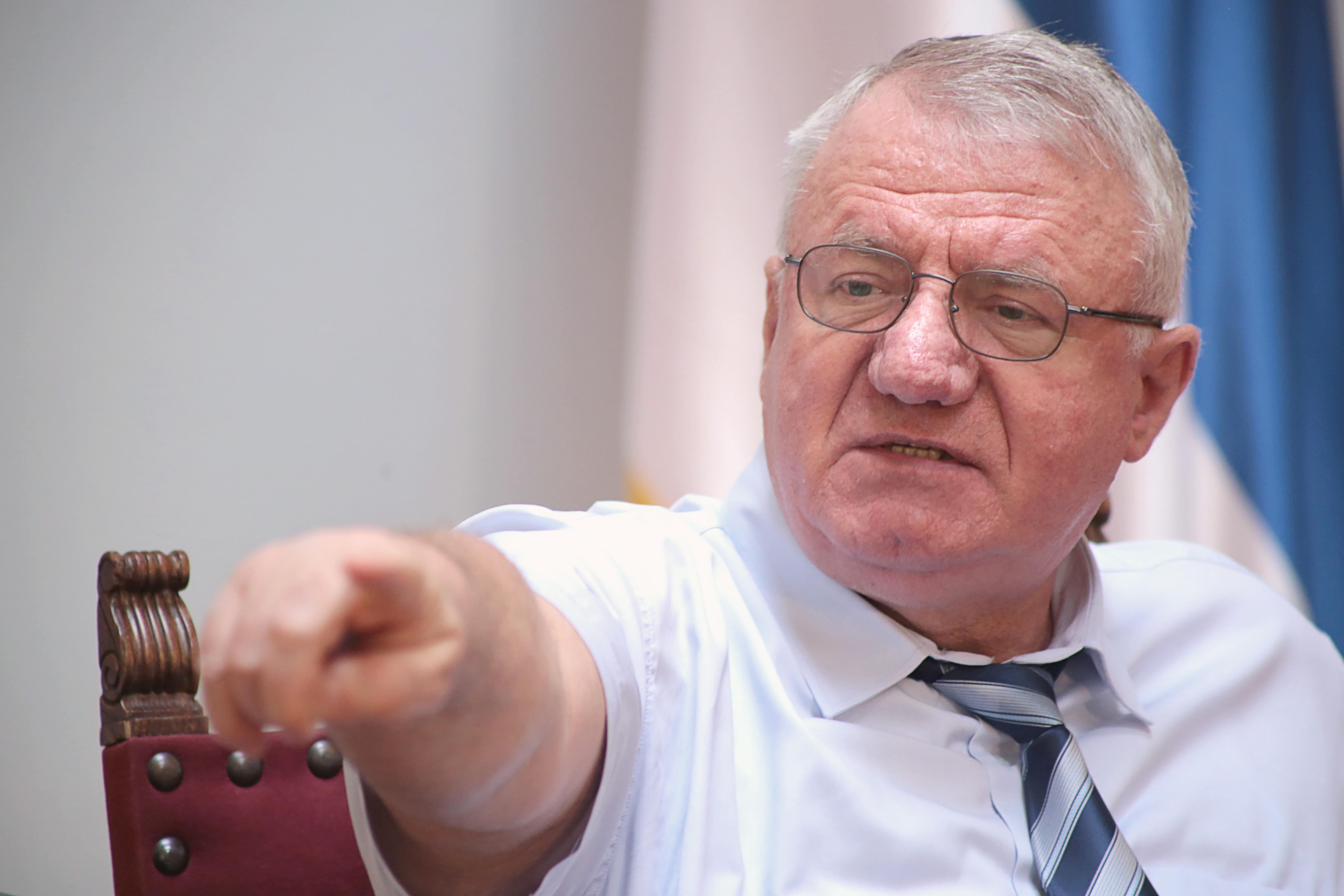 Др Шешељ: Одржаћемо скуп у Хртковцима упркос најавама да ће бити забрањен!