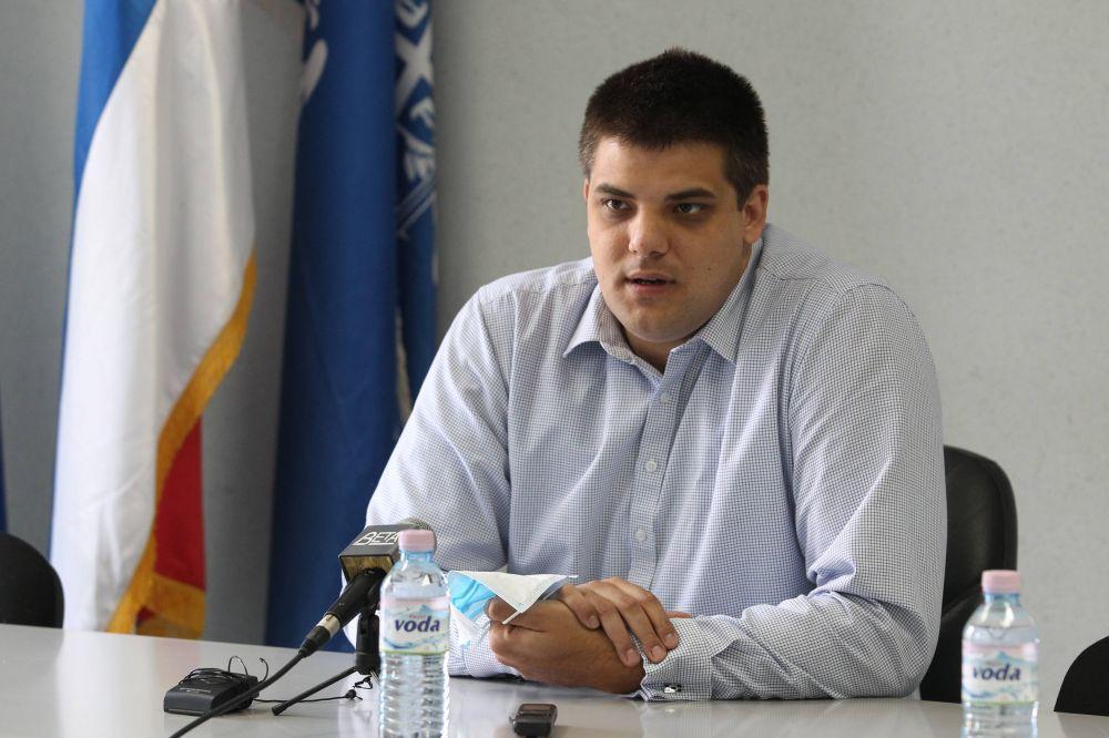 Српска радикална странка захтева нове парламентарне изборе