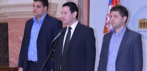 Шаровић: Нема основа да се Шешељу одузме мандат због пресуде у Хагу