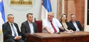 Др Шешељ: Захтев за забрану Српске радикалне странке је глупост!