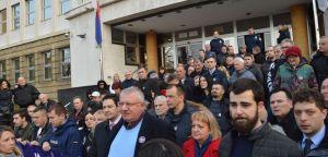 Др Шешељ: Полицајци којима се суди за злочине у селу Кравица су невини