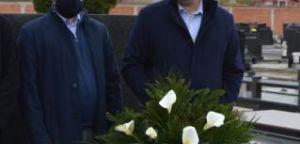 Радикали положили венац на гроб мале Милице