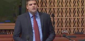 Шешељ: Европа подржава терористе и трговце органима на Косову и Метохији