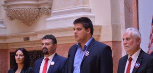 Шешељ: Српска радикална странка покреће иницијативу да се укину јавни извршитељи у целој Србији!