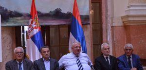 Др Шешељ: Грађани Републике Српске да не подлежу провокацијама припремљеним у западним амбасадама и у Сарајеву!