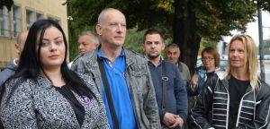 Подршка оптуженима за ратни злочин у селу Кравица испред Специјалног суда за ратне злочине