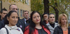Srpski radikali ispred Specijalnog suda u Beogradu podržali optužene za navodni ratni zločin kod Srebrenice