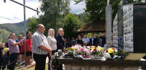 Радикали присуствовали парастосу пострадалим Србима у Сребреници