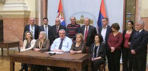 Посланици Српске радикалне странке напустили седницу, тврде да им није омогућено да постављају посланичка питања