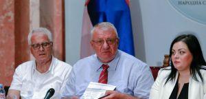 Dr Šešelj: Đinđić 2002. godine predao Karli del Ponte poverljiva dokumenta o ratu na Kosovu