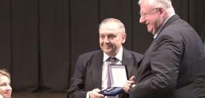 Руси доделили Др Шешељу Орден за унапређење међународних односа Крима