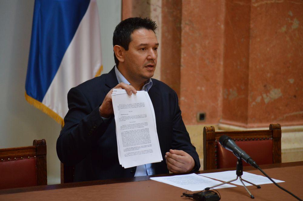 Nemanja Šarović: Državni organi moraju štititi  građane Srbije bez obzira na to gde se oni nalaze!