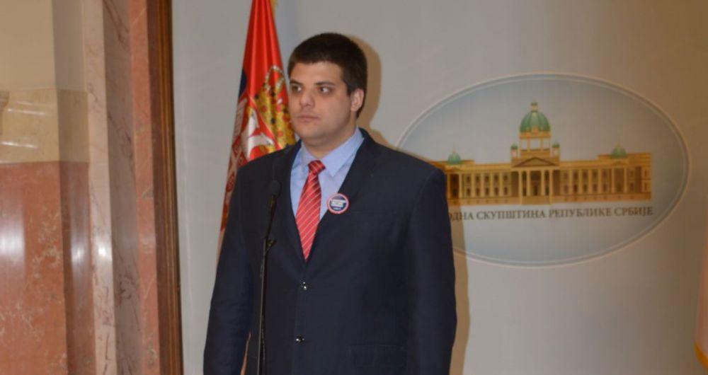 Александар Шешељ: Покренути дипломатску офанзиву да се у Савету безбедности УН разговара о угрожености Срба у Црној Гори