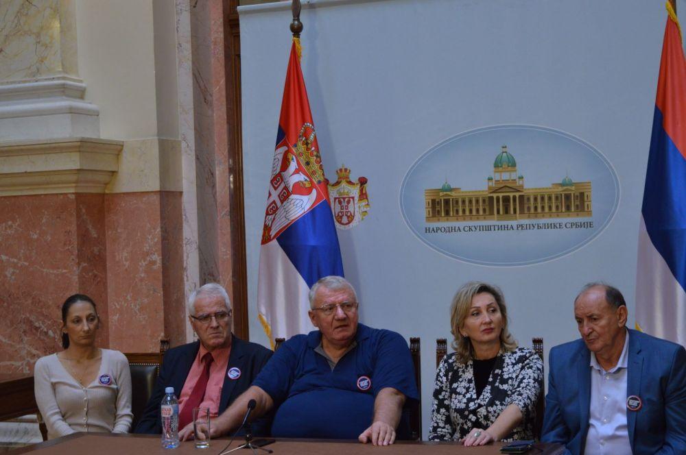 Dr Šešelj: Srbija hitno da interveniše i zaštiti srpski narod u Crnoj Gori